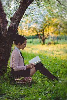✳ Women Reading a Book Under the Tree - download photo at Avopix.com for free     https://avopix.com/photo/42403-women-reading-a-book-under-the-tree    #farmer #person #picnic #field #grass #avopix #free #photos #public #domain