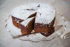 Oppskrift på pepperkakeKAKE :-) Muffin, Baking, Breakfast, Food, Velvet, Bread Making, Breakfast Cafe, Muffins, Patisserie