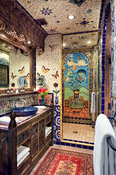Bathroom that is all artwork! The Inn of The Five Graces, Santa Fe, NM Spanish Home Decor, Spanish Style Homes, Spanish House, Home Decor Bedroom, Room Decor, Santa Fe Style, Walk In Shower Designs, Bathroom Styling, Beautiful Bathrooms