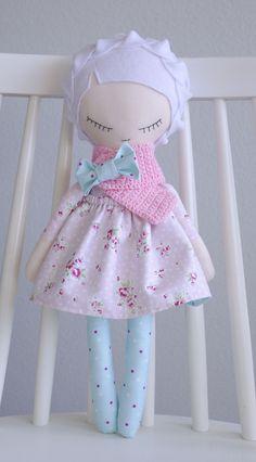 handmade doll Sahra #handmadedoll #handmade #doll #mydoll #snowwhite