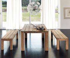 Mesa madera Teka maciza con vetas grises - También disponible silla a juego tapizada en símil cuero