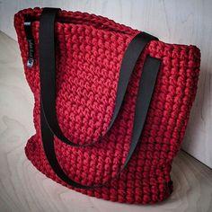 Bolsa crochê vermelha