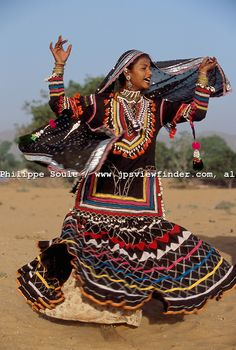 gypsy people pictures | Gypsies are proud of their roots and clans..The Kalbeliya Gypsy people ...