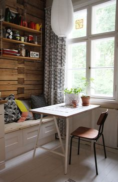 Kanelimaa Small Places, Dining Rooms, Beautiful Things, Cottage, Desk, Cabin, Goals, Interiors, Interior Design