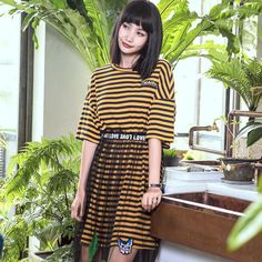 New design new turmeric striped short-sleeved T-shirt dress O-collar loose waist dress