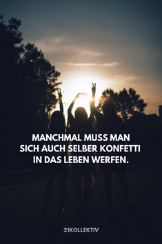 Die allerbesten Lebensweisheiten aller Zeiten - Manchmal muss man sich auch selber Konfetti in das Leben werfen… Short Funny Quotes, Funny Quotes About Life, Life Quotes, Life Memes, Funny Websites, Funny Sports Pictures, Wit And Wisdom, Seriously Funny, Nursing Memes