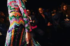 La Paris Fashion Week vue par le magazine Citizen K   Avec ses broderies fantasques Manish Arora célèbre un doux optimisme entre message damour et exubérance Bollywood.   Crédit photo : @laurentdombrowicz Avec un appareil Leica Q   #ManishArora @manisharorafashion #LeicaXCitizenK #FashionPics #CitizenK #LeicacameraFrance #LeicaQ #ParisFashionWeek via Leica on Instagram - #photographer #photography #photo #instapic #instagram #photofreak #photolover #nikon #canon #leica #hasselblad #polaroid…