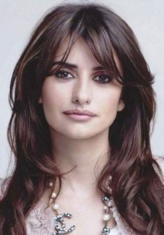 Top 20 Penelope Cruz Hairstyles & Haircuts Ideas For You To Try ! Top 20 Penelope Cruz Hairstyles & Haircuts Ideas For You To Try ! Penelope Cruz, Hairstyles With Bangs, Trendy Hairstyles, Bangs Hairstyle, Fashion Hairstyles, Hair Bangs, Long Hair With Bangs, Popular Haircuts, Great Hair