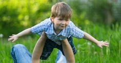 Osoita lapsellesi, että hän tulee tärkeysjärjestyksessä ensimmäisenä ja että sinä ymmärrät sen. Osoita hänelle, että sinä olet läsnä ja hänen kanssaan.