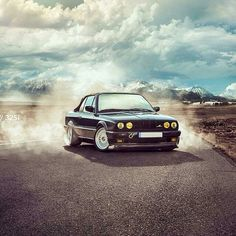 BMW E30 #smokin Bmw E30, S Mo, Bmw 3 Series, Fig, Cars, Classic, Style, Autos, Ficus