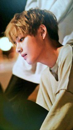 TaeHyung es un sencillo chico pueblerino de dieciséis años que siente… #fanfic Fanfic #amreading #books #wattpad