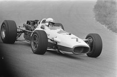 John Surtees, Honda RA273 - Honda RA273-E 3.0 V12 (Netherlands 1967)