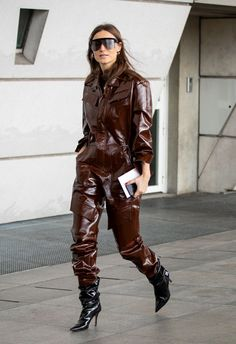 Spring style inspiration: 9 jumpsuits spotted outside the Fashion Week runways Looks Street Style, Spring Street Style, Spring Style, Dope Fashion, Fashion 2020, Paris Fashion, Swag Fashion, Mode Dope, Leather Jumpsuit