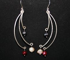 Hammered wire with pearls