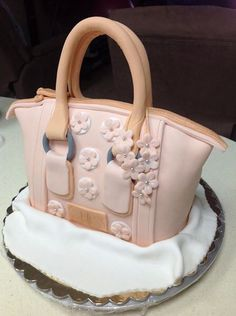 Guess bag cake