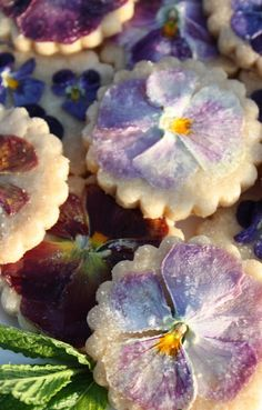 pansy shortbread cookies recipe #FlowerShop