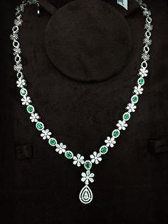 Emerald Jewelry, Diamond Jewellery, Jewellery Box, Diamond Rings, Jewelry Art, Jewlery, Jewelry Accessories, Jewelry Necklaces, Fashion Jewelry