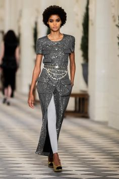 Boutique Haute Couture, Style Couture, Haute Couture Fashion, Look Rock, Stella Tennant, Fashion Week, Fashion Show, Street Fashion, Steal Her Style