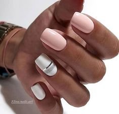 False nails have the advantage of offering a manicure worthy of the most advanced backstage and to hold longer than a simple nail polish. The problem is how to remove them without damaging your nails. Shellac Nails, Nail Manicure, Nail Polish, Acrylic Nails, Stylish Nails, Trendy Nails, Elegant Nails, Classy Nails, Nagellack Design
