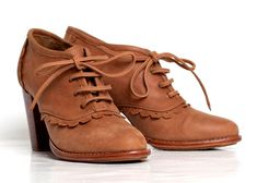 Leather oxford shoes / leather lace up boots / sizes US 4-13. Available in different leather colors via Etsy.