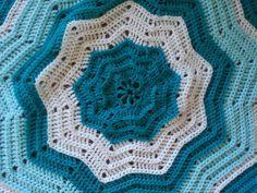 Crochet baby blanket by Sew.Knit.Create