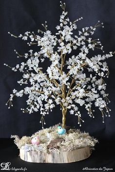 Pour le Défi Septembre 2014 : Abricotier du Japon miniature en perles de rocailles et perles fleurs sur socle en bois. *Ce mois-ci c'est laetiperles qui choisit le thèm - 10201265