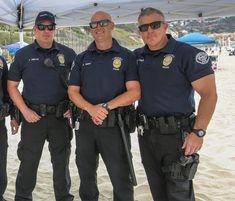 Navy Uniforms, Police Uniforms, Police Officer, Cop Uniform, Men In Uniform, Hot Cops, Body Building Men, Army & Navy, Real Men