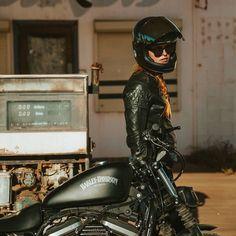From @adventure.machine Photo @jasonlphotos . . . #bellbullitt #bullitthelmet #bell #bellhelmet #bellhelmets #bullitt #custom #custombike #vintagehelmet #retrohelmet #helmet #classicbike #motostyle #motoselfie #bobber #caferacer #scrambler #bratstyle...