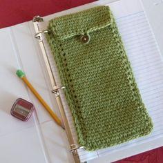 Oxford Binder Pouch - free crochet pattern by Amy Molloy at Crochet Spot.