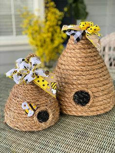 DIY Decorative Bee Skep