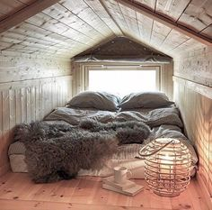 compact living If I'll ever have a house with an attic, it will be my room and it will look like this. I will most likely not get out of the house. Attic Bedroom Small, Attic Bedrooms, Attic Spaces, Cozy Bedroom, Bedroom Decor, Attic Loft, Attic Bathroom, Bedroom Ideas, Bedroom Seating