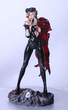 Estatua Space Host Girl 36 cm. Erick Sosa. Variante color. Escala 1/6. Yamato Estatua de Space Host Girl de 36 cm fabricada en poliresina de la colección Fantasy Figure Gallery, basada en el diseño de Eric Sosa. Modelo finalizado, pintado y numerado a mano.