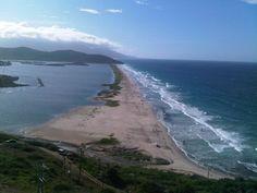 División entre la playa y las salinas de Pampatar, Margarita.