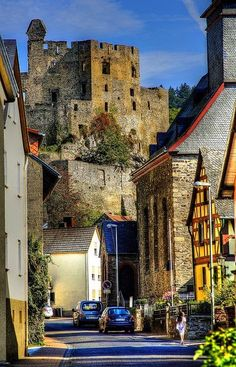 Balduinstein is a municipality in the district of Rhein-Lahn, in Rhineland-Palatinate, in western Germany. Beautiful World, Beautiful Places, Rhineland Palatinate, Photos Voyages, Germany Travel, Visit Germany, Travel Europe, Bulgaria, Travel Photos