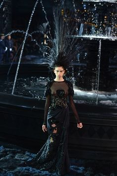 Marc Jacobs Leaves a Stunning Mark at Louis Vuitton's Spring 2014 show | Katie's Runway Report