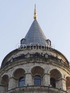 Die Spitze des Galataturm mit der Aussichtsplattform in Istanbul Beyoglu am Bosporus in der Türkei