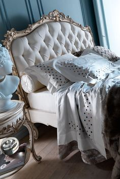 Create a dramatic effect with the Ornate Italian Rococo Reproduction Button Upholstered Bed, sophisticated style. A true classic statement. The most beautiful addition to any bedroom interior, above all adding elegance and glamour to any setting! Indulge yourself...