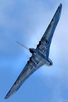 ... 'Vulcan' nuclear bomber (UK) cold war