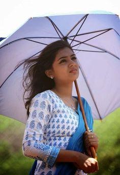 South Indian Actress Photo, Indian Actress Photos, Indian Actresses, Indian Photoshoot, Saree Photoshoot, Bollywood Actress Hot Photos, Bollywood Girls, Tamil Actress, Most Beautiful Indian Actress