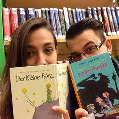 En sevdiğimiz çocuk kitaplarını Bielefeld Şehir Kütüphanesi'nin raflarında bulduk! - Unsere Lieblingskinderbücher haben wir in den Regalen der Stadtbibliothek Bielefeld gefunden.