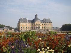 Château de Vaux-le-Vicomte é um palácio setecentista francês, construído em estilo Barroco, entre 1658 e 1661, pelo Superintendente das Finanças de Luíz XIV, Nicolas Fouquet