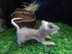 Needle Felted Mouse Felt Mouse Needle Felt Animal Model of Needle Felted Animals, Felt Animals, Needle Felting, Felt Mouse, Funny Toys, Soft Sculpture, Cute Gifts, Wool Felt, Fiber Art