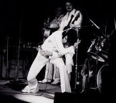 Elvis in concert in Los Angeles in november 14 1970.
