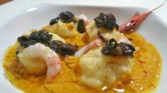 Gnudi di ricotta con gamberi e tartufo nero su crema di zucca