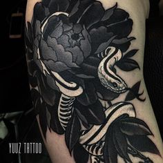 Cool snake tattoo by Yuuz.