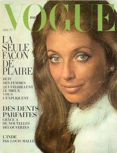 Joanna Shimkus en Pierre Cardin en couverture de Vogue novembre 1968, photo Jeanloup Sieff