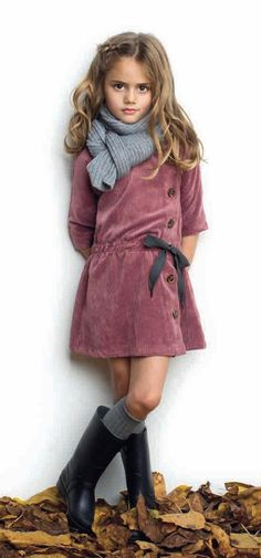 Pin by sk bhatti on kids haute kids fashion, kids outfits, f Fashion Kids, Kids Winter Fashion, Toddler Fashion, Look Fashion, Trendy Fashion, Little Girl Outfits, Little Girl Fashion, Outfits Niños, Look Girl