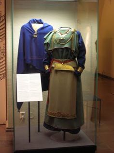/This seems to be a regional variation based on development that is well documented in the Greek peplos gown to the pre-AngloSaxon period in Britain to the Norse in Finland - an probably in other places.  It may also be a precursor to the apron dress that seems to have become popular during the Viking age.