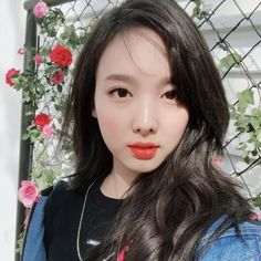 Twice Nayeon twicetagram update (Selca) Kpop Girl Groups, Korean Girl Groups, Kpop Girls, K Pop, Namjoon, Seokjin, Oppa Gangnam Style, Twice Fanart, Jihyo Twice
