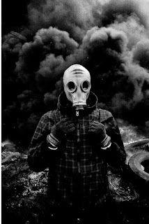 Gas Mask Art, Masks Art, Wallpaper Keren, Hd Wallpaper, Post Apocalyptic Fashion, Yahoo Images, Album Covers, Illustration Art, Darth Vader